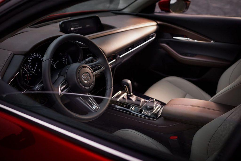 Interior Mazda CX30 2019 sección tablero