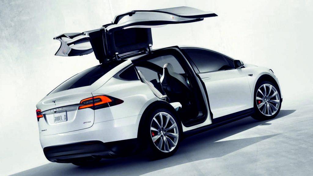 Tesla X Parte externa trasera